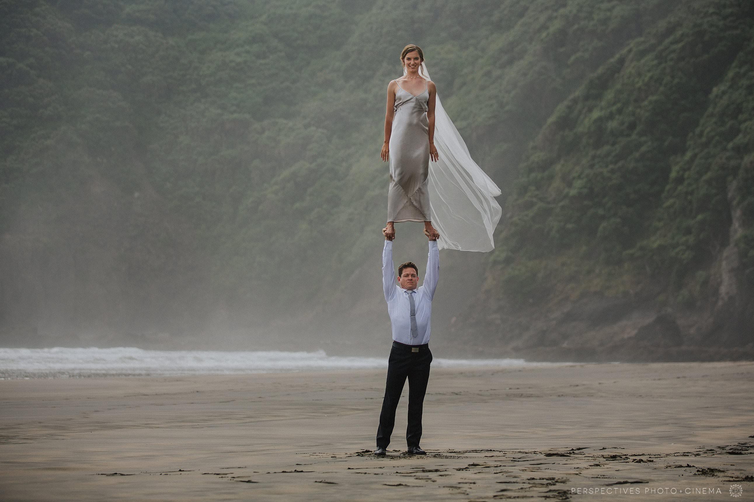Circus wedding photos acrobatics