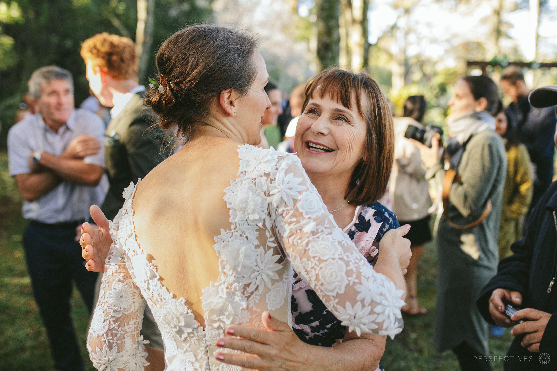 wedding day hugs and kisses